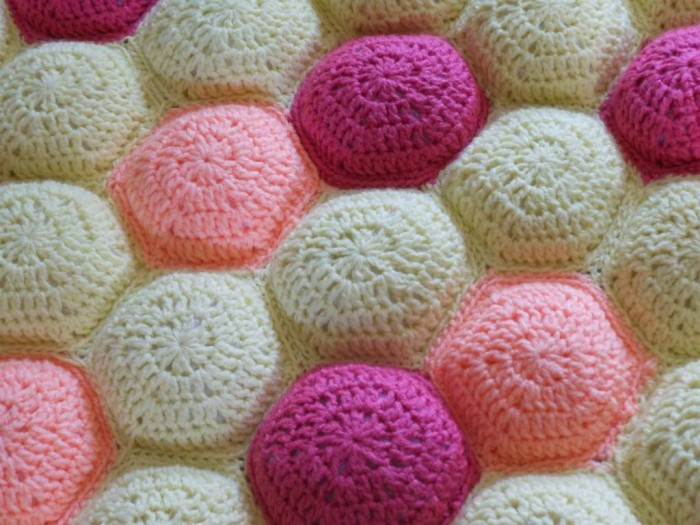 crochet-hexipuff-blanket 10 Fascinating Ideas to Create Crochet Patterns on Your Own