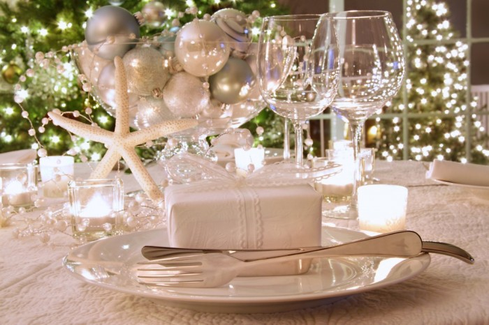 dining-room-designs-lovely-amazing-white-and-silver-nautical-christmas-dinner-table-decoration-ideas-sweet-christmas-dinner-table-decoration-ideas 65+ Dazzling Christmas Decorating Ideas for Your Home in 2020