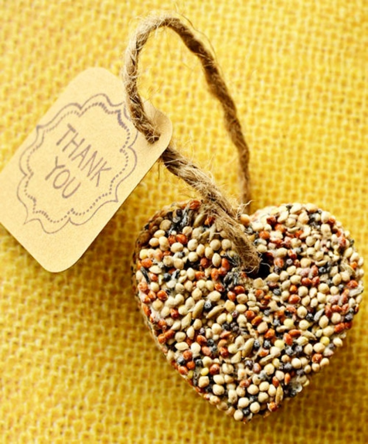 diy-birdseed-favors-hearts-tutorial-1 Save Money & Learn How to Make Your Own Wedding Favors