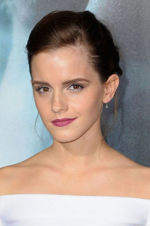 emma-watson-lipstick-h724 Top 10 Latest Beauty Trends That You Should Try