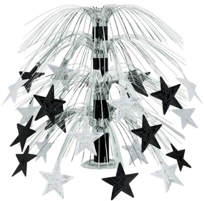 fascinating-black-and-silver-star-cascade-centerpiece-table-decorating-ideas-for-inspiring-new-years-eve-table-decorations-ideas-940x929 Awesome & Breathtaking Ideas for New Year's Holiday Decorations