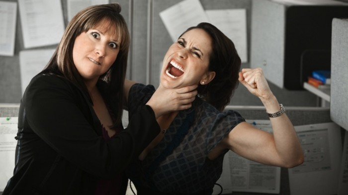 fighting-co-workers Tips to Control the Annoying Jealousy Among Co-workers at Workplace!!