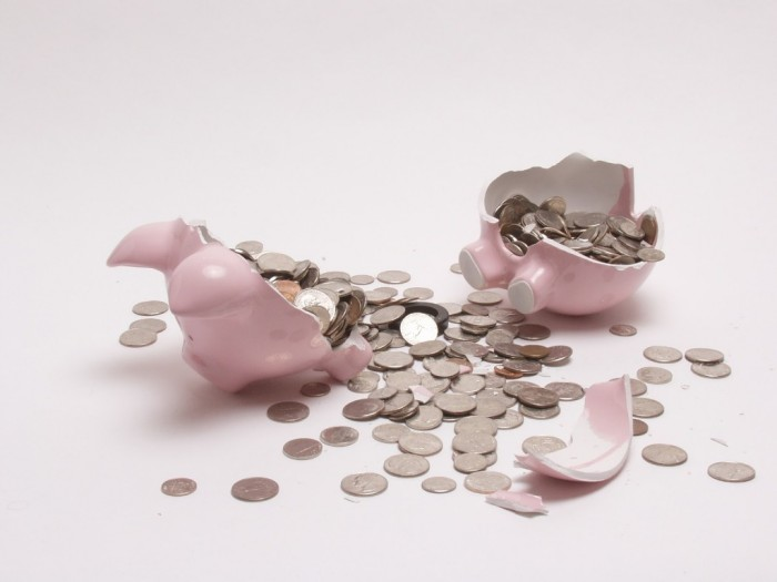 file0001944433273-1 Family Budgeting for Setting Your Financial Priorities & Saving money