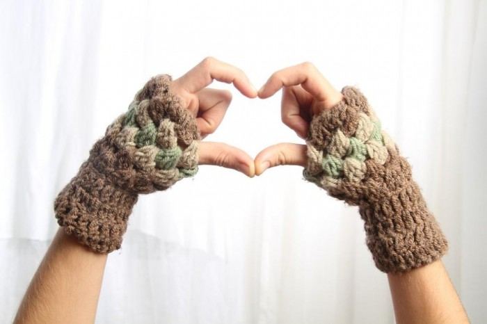 fingerless-crochet-mittens-2013-5 10 Fascinating Ideas to Create Crochet Patterns on Your Own