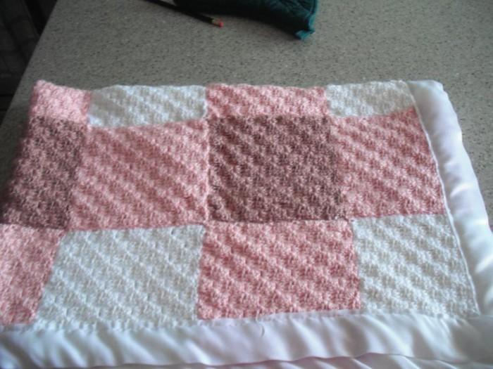 full_5048_2872_DiagonalCrochetSquaresGinghamBlanket_1 10 Fascinating Ideas to Create Crochet Patterns on Your Own