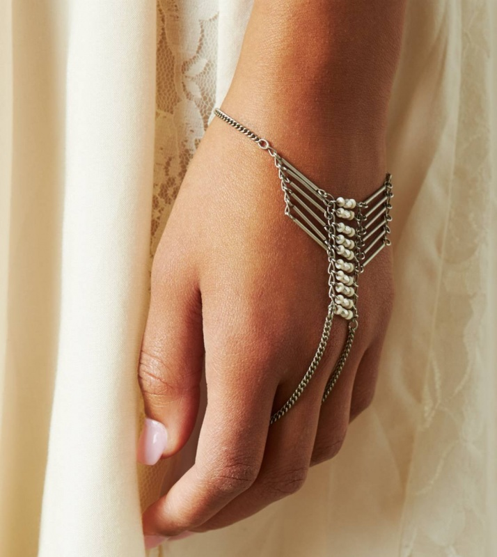 full_size 65 Hottest Hand Back Jewelry Pieces for 2020
