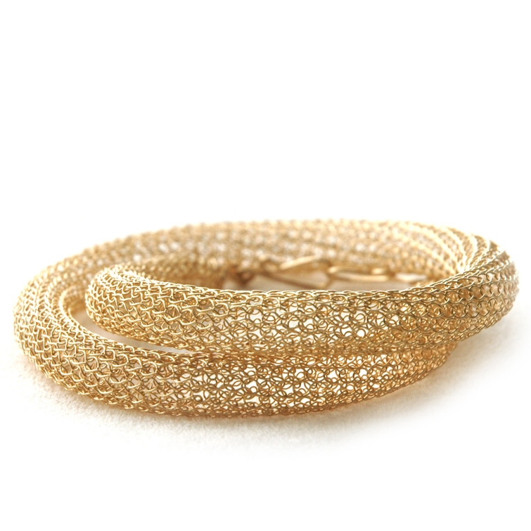 gold_tube_necklace_crochet1 Stunning Crochet Patterns To Decorate Your Home & Make Accessories