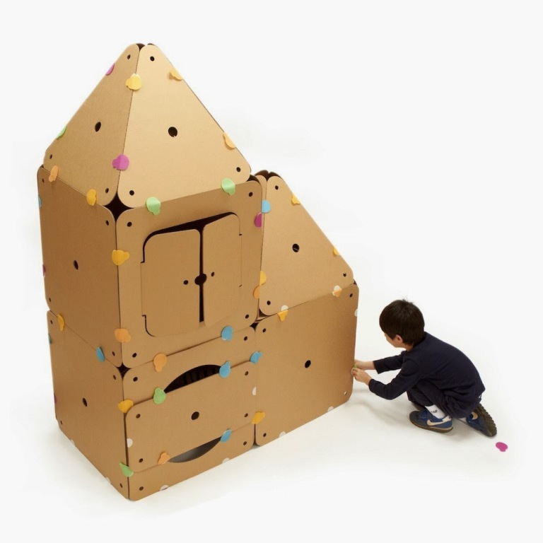 green-fort-children-toy Do You Know How to Choose the Right Toys & Games for Your Child?