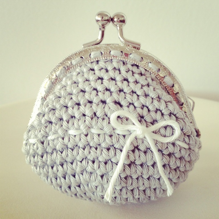 greypurse1 10 Fascinating Ideas to Create Crochet Patterns on Your Own