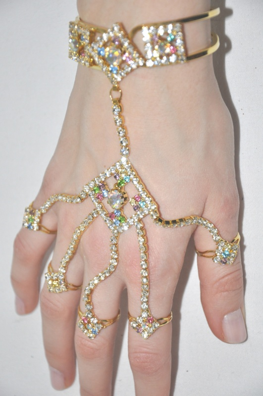indian-hand-jewellery-1 65 Hottest Hand Back Jewelry Pieces for 2020