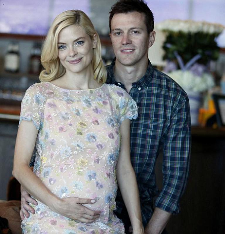 jaimeking-and-kyle-newman Celebrities Who Had Babies in 2013, Who Are They?