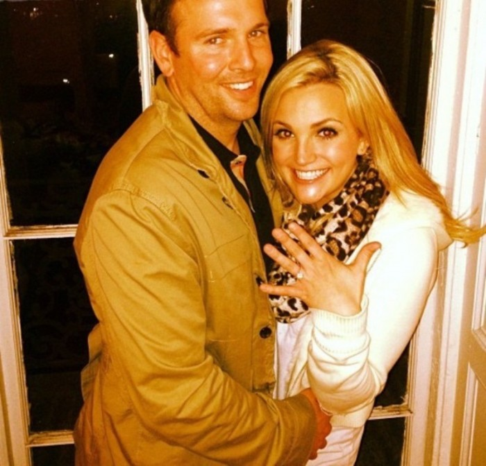 jamie-lynn-spears-engaged_1 35+ Fascinating & Stunning Celebrities Engagement Rings for 2019