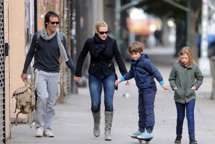 kate-winslat-and-Ned-Rocknroll-with-Mia-and-James.-1024x688 Celebrities Who Had Babies in 2013, Who Are They?