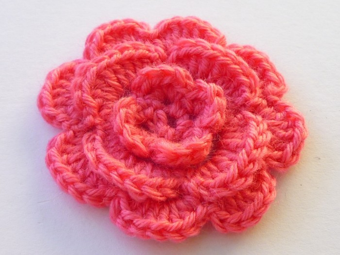 mercerie-fleur-au-crochet-triple-en-laine-1688368-p1020634-93760_big Stunning Crochet Patterns To Decorate Your Home & Make Accessories