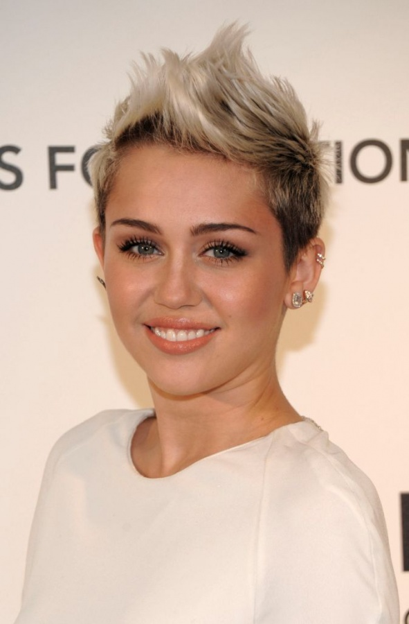 miley-cyrus-march-2013 20 Worst Celebrities Hairstyles