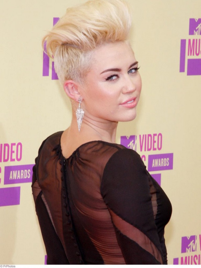 miley-cyrus-shaved-hair 20 Worst Celebrities Hairstyles