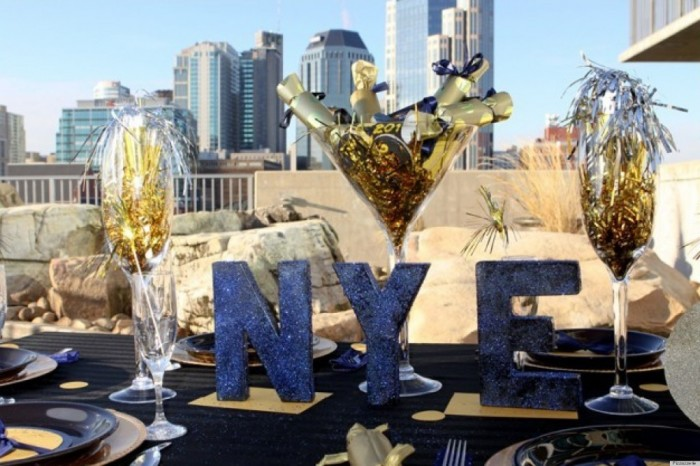o-NEW-YEARS-EVE-DECORATIONS-facebook Awesome & Breathtaking Ideas for New Year's Holiday Decorations