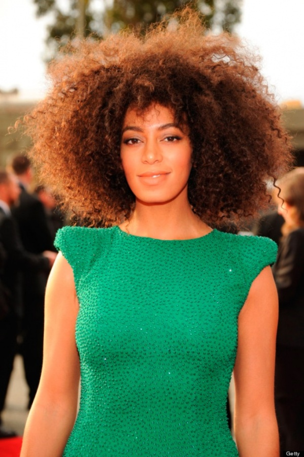 o-SOLANGE-KNOWLES-GRAMMYS-DRESS-570 20 Worst Celebrities Hairstyles