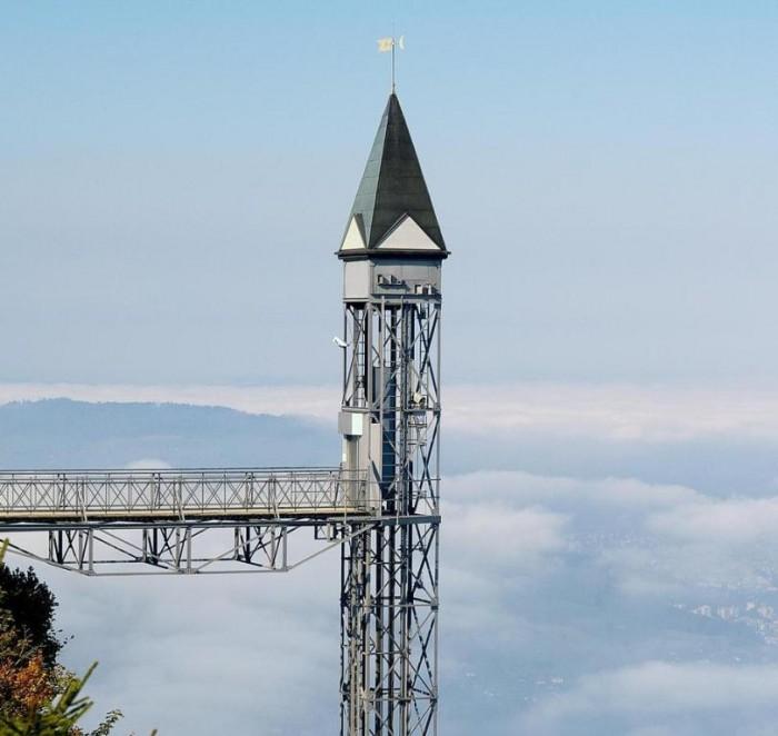 ope1_europes_tallest_lift_surround_4509 The World's 20 Weirdest & Craziest Elevators