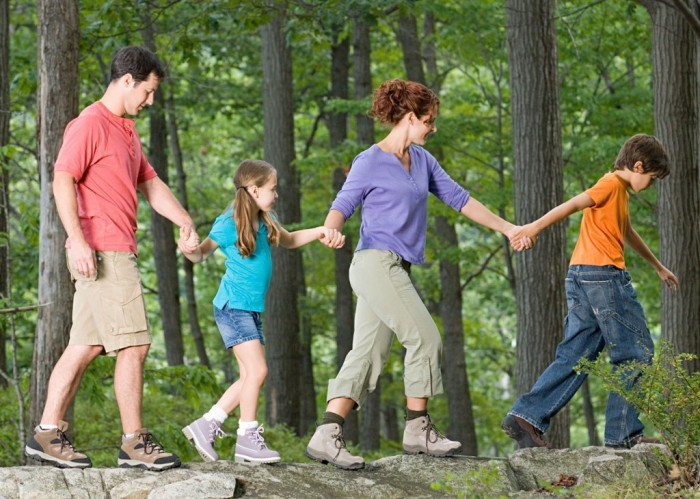 outdoor-play-ideas-forchildren Do You Know How to Train Your Child to Use the Five Senses?