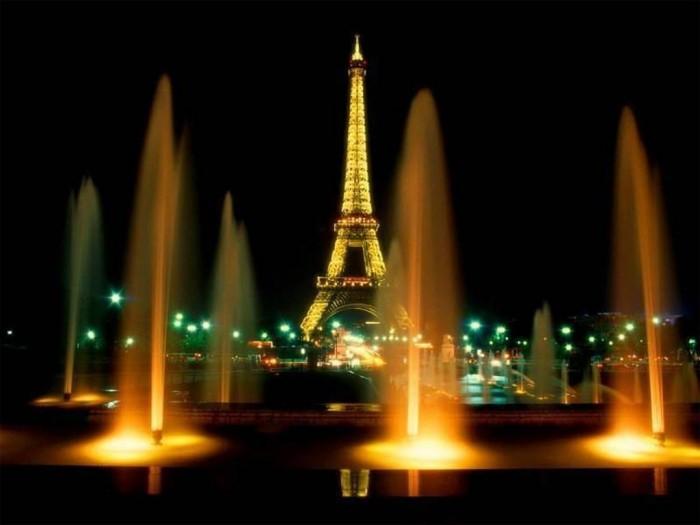 paris-03 Top 10 Romantic Vacation Spots for Couples to Enjoy Unforgettable Time