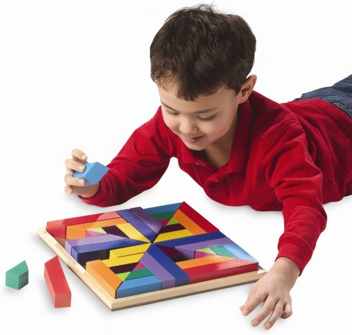 pattern-play-model-shot2 Do You Know How to Train Your Child to Use the Five Senses?
