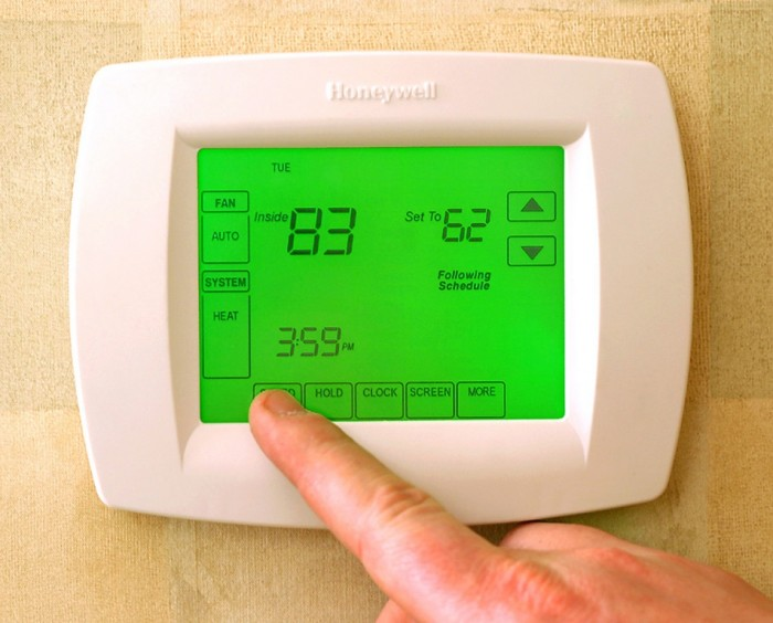 programmable-thermostats 13 Easy-to-Follow Tips for Operating a Green Business
