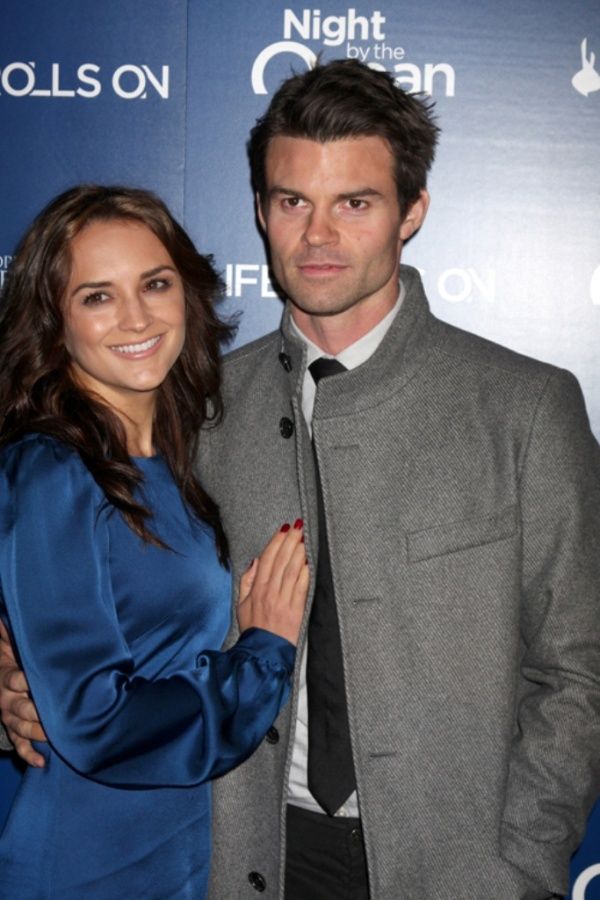 rachael-leigh-cook-daniel-gillies-the-life-rolls-on-foundations-9th-annual-gala Celebrities Who Had Babies in 2013, Who Are They?
