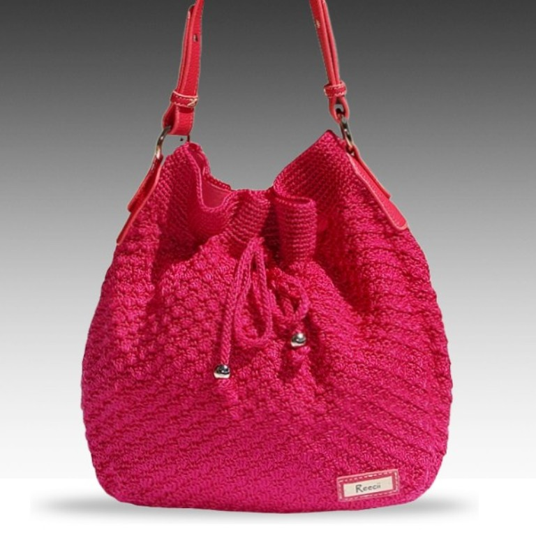 reecii-pink-crochet-bag 10 Fascinating Ideas to Create Crochet Patterns on Your Own