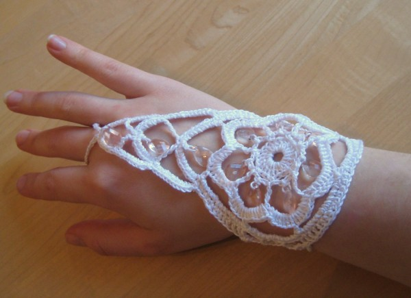 ring-bracelet-030 65 Hottest Hand Back Jewelry Pieces for 2020