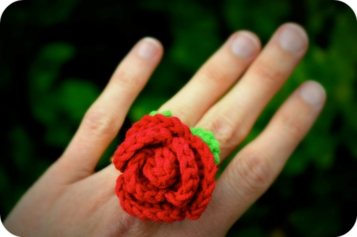 rose-ring-crochet Stunning Crochet Patterns To Decorate Your Home & Make Accessories