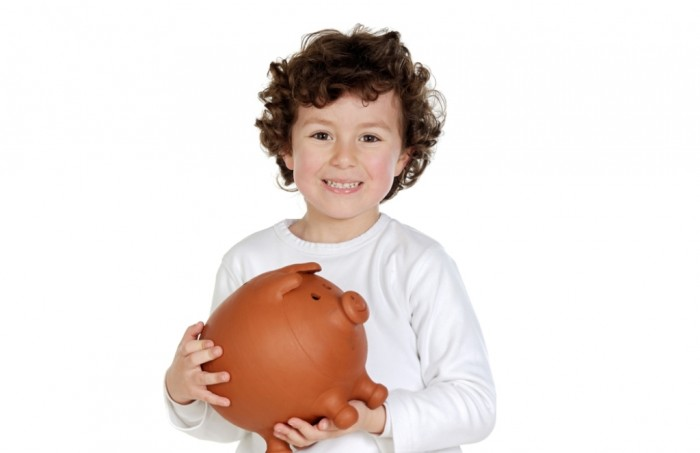 shutterstock_26832601 Family Budgeting for Setting Your Financial Priorities & Saving money