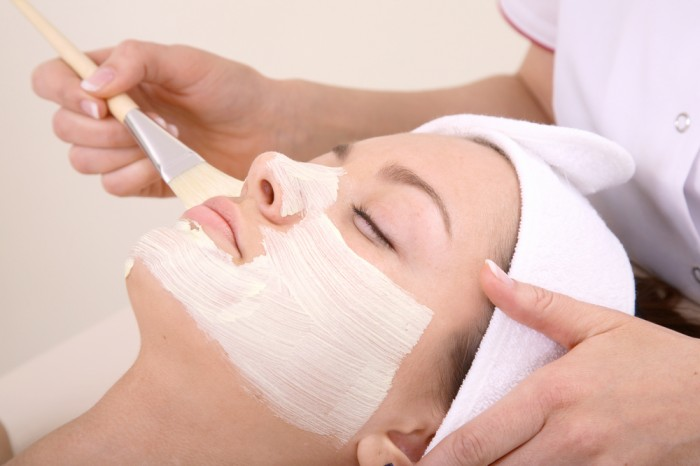 shutterstock_3343168 Tips To Keep Your Skin Moist During Winter Season