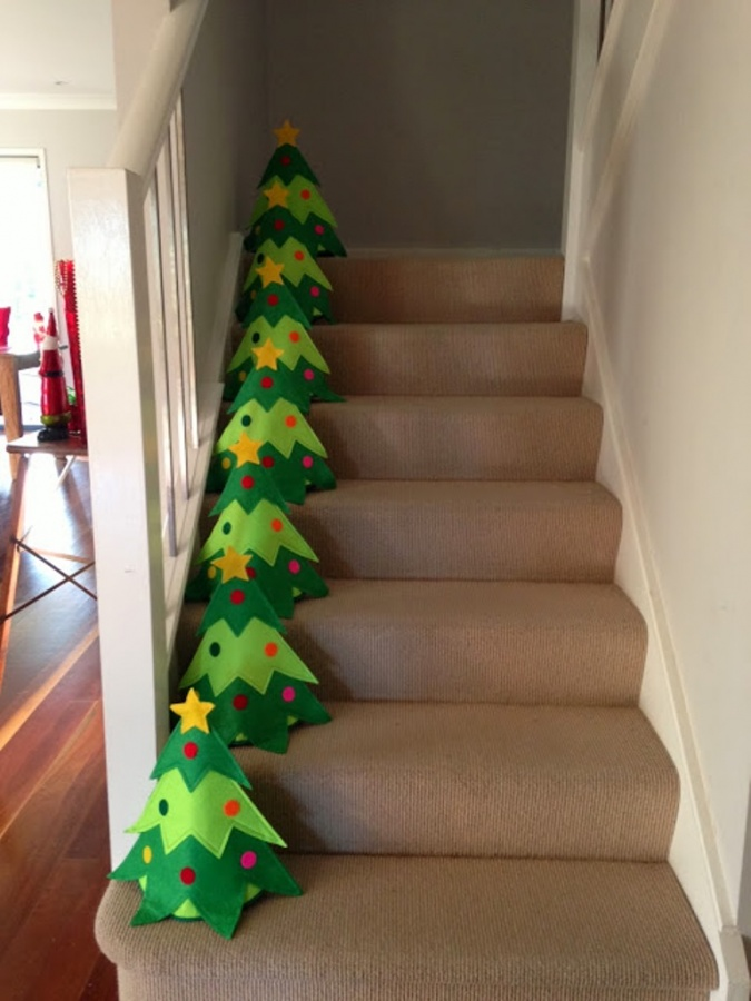 stair-case 65+ Dazzling Christmas Decorating Ideas for Your Home in 2019