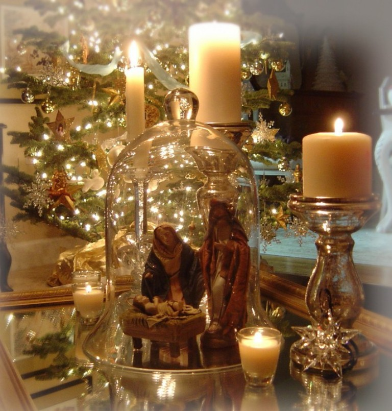 thrift-store-christmas-decorating Dazzling Christmas Decorating Ideas for Your Home in 2017 ... [UPDATED]