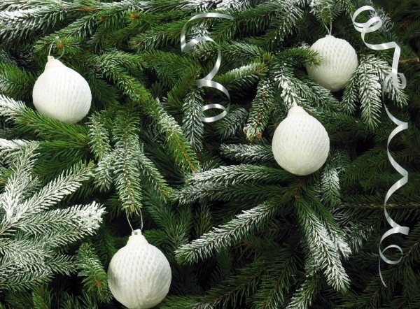 tree_needles_christmas_decorations_snow_holiday_christmas_50819_1600x1180 79 Amazing Christmas Tree Decorations