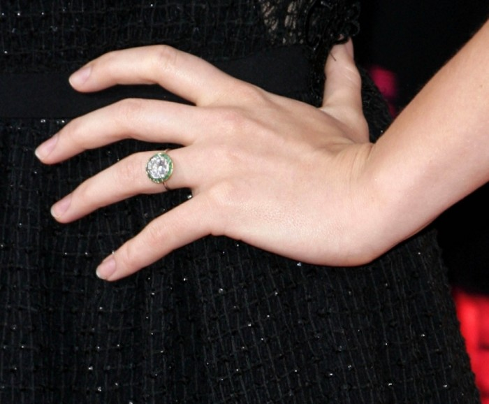 wenn20199922 35+ Fascinating & Stunning Celebrities Engagement Rings for 2019
