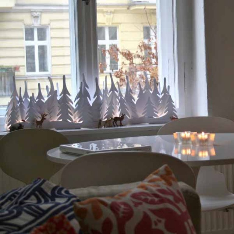 window-decoration-miniature-christmas-trees-2 65+ Dazzling Christmas Decorating Ideas for Your Home in 2020