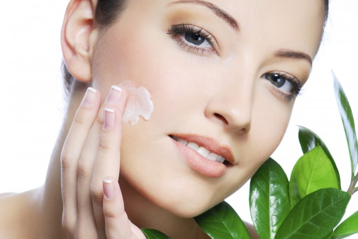 womanmoisturizer Tips To Keep Your Skin Moist During Winter Season