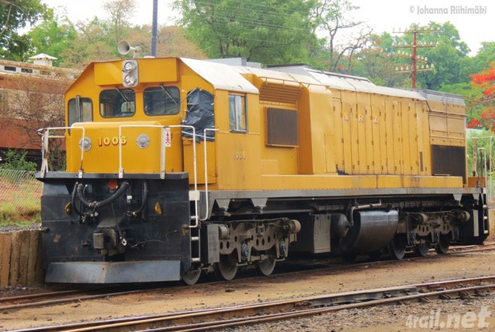 zim_nrz_gt22lc-2nr1006_1_172_victoriafalls_2013_L What Are the Most Serious & Catastrophic Train Accidents in 2013?