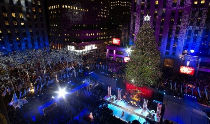 """zztree09-590x350 """"Festival of Lights"""" Enchants the Hearts in the Galleria During the Holiday Season"""