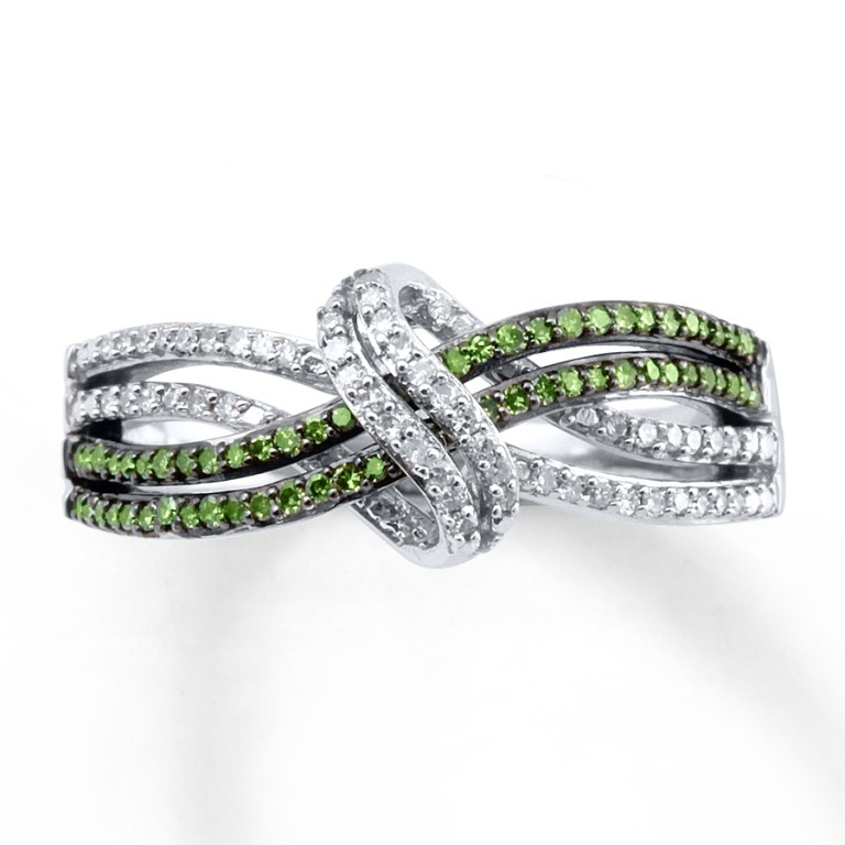 023148808_MV_ZM 30 Fascinating & Dazzling Green diamond rings