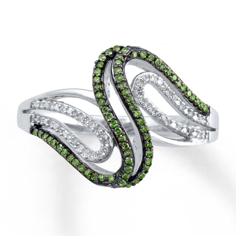 023148909_MV_ZM 30 Fascinating & Dazzling Green diamond rings
