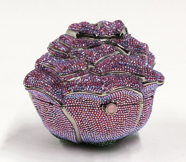 11598281_1_l 69 Most Expensive Diamond Purses in The World