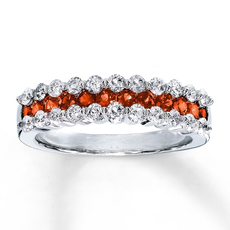 133095808_MV_ZM_JAR1 40 Elegant Orange Sapphire Rings for Different Occasions