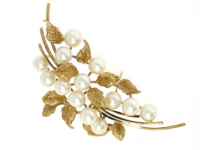 1366244201-61619-Cultured_Pearl_Brooch_Spray_in_14K-0-640x480 50 Wonderful & Fascinating Pearl Brooches