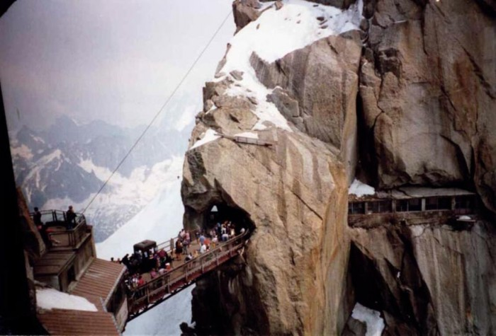 1a75f5a25e4964260f89635a989 The World's 15 Scariest Bridges that Will Freeze Your Heart
