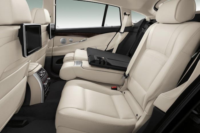 2014-BMW-5-Series-GX2 2014 BMW Cars for More Luxury to Enjoy Driving on the Road