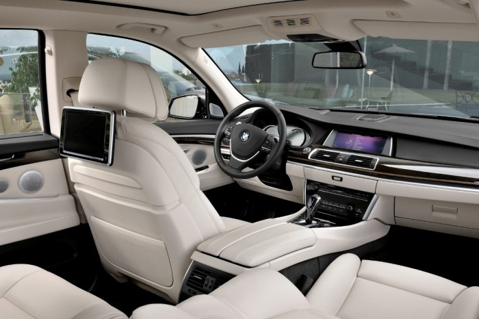 2014-BMW-5-Series-HD2 2014 BMW Cars for More Luxury to Enjoy Driving on the Road