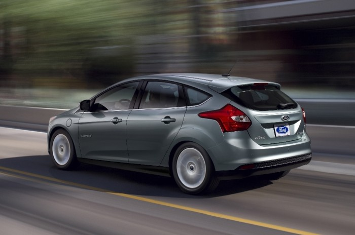 2014-Ford-Focus-Electric-rear-three-quarter 2014 Ford Focus Is Available in 7 Catchy & Fuel-Efficient Models at Competitive Prices